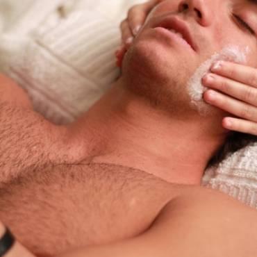 Oczyszczanie twarzy